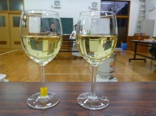どちらが安心院産ワインでしょう?