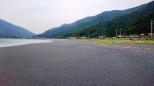 高山海岸 浜の中程は砂が増えてきており良好、清掃も行われてキレイ