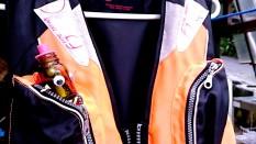 ライフジャケットのポッケはハンモック
