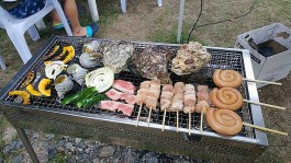 お肉、野菜、地元の魚介類の贅沢BBQ!