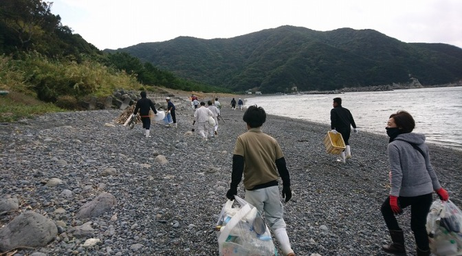 間越海岸のゴミ拾い